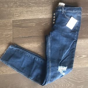 {Free People} Distressed Skinny Jeans. Size 28.